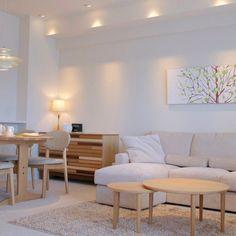 生活感の無いミニマルインテリア専門ですが、こんな北欧テイストの依頼もちょくちょくあるんです Japan Apartment, Apartment Interior, Cute Room Decor, Interior Decorating, Interior Design, Cozy Living, Simple House, New Room, House Rooms