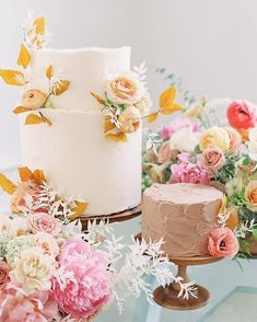 Unusual Wedding Cakes, Small Wedding Cakes, Wedding Cakes With Cupcakes, Wedding Cake Decorations, Beautiful Wedding Cakes, Summer Wedding Destinations, Destination Wedding, Simple Elegant Cakes, Cake Decorating