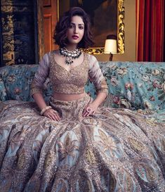 Drooling wedding reception bridal dresses ideas for you inspired by Bollywood celebs. Look at them and wear in your wedding reception. Indian Bridal Outfits, Indian Bridal Lehenga, Indian Dresses, Bridal Dresses, Pakistani Bridal, Indian Clothes, Lehenga Indien, Lehenga Choli, Anarkali