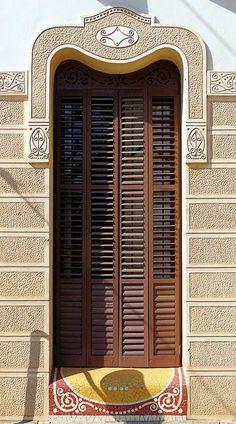 """La Garriga - El Passeig 97 . El Boullevard , denominado """"El Passeig"""", reuné gran colección de edificios modernistas, La villa de La Garriga era lugar de veraneo a principio de siglo XX."""