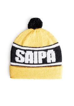 Saipa-fanipipo, neulo pipo suosikkijoukkueesi väreissä ja joukkueen nimellä, ohje: SK 9/14.