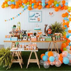 Linda decoração por 💗😍💞 @mimosdemaedecor - O que dizer desse Chá de Bebê maaaaaais fofo do mundo! A mamãe @fabianaribeiropires escolheu o… Boys First Birthday Party Ideas, 1st Birthday Decorations, 1st Boy Birthday, Baby Shower Decorations, Fox Party, Baby Party, Happy Birthday Anthony, Festa Hot Wheels, Backdrops For Parties