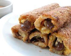 ΠΡΩΙΝΟ - ΒΡΑΔΙΝΟ | Μεταρέψτε το ψωμί του τοστ σε αυγοφέτες-ρολό, βάλτε αλμυρή ή γλυκιά γέμιση και απολαύστε τις με τα παιδιά. Sweet Recipes, New Recipes, Cake Recipes, Cooking Recipes, Princesa Diana, French Toast, Sweet Corner, Oreo Pops, Breakfast Snacks