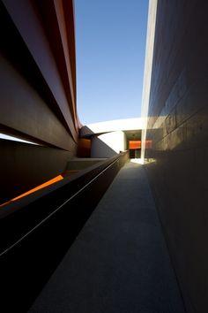 Design Museum Holon – Ron Arad Architects