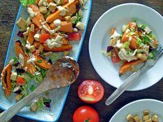 Dieser arabisch inspirierte Salat ist eine Hauptspeise, vielleicht eine Vorspeise, aber auf keinen Fall nur eine Beilage. Dafür ist die Geschmackspalette zu viefältig, ist alles drin: Nussig, frisc…