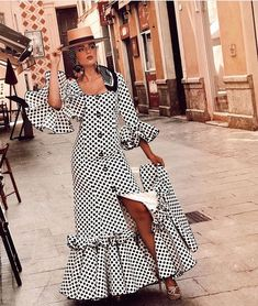 Simple Dresses, Casual Dresses, Casual Outfits, African Wear, African Fashion, Flamenco Costume, Dress Skirt, Dress Up, Spanish Fashion