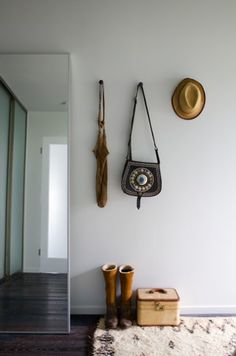 simple yet mysterious home entry...