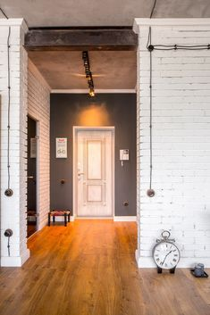 5 Artistic Clever Tips: Industrial Closet Home industrial loft diy.Industrial Home Building industrial space entrance. Industrial Interior Doors, Industrial Apartment, Industrial Bedroom, Industrial House, Modern Industrial, Decor Industrial, Industrial Bookshelf, Industrial Windows, Industrial Restaurant