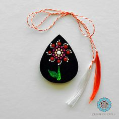 Painted trinklet on wood base, acrylic colours. Finished with varnish. It can be worn as a pendant or attached to a keychain. Acrylic Colors, Flower Pendant, Christmas Bulbs, Dots, Base, Colours, Create, Holiday Decor, Flowers