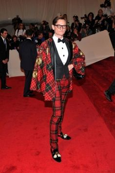 Vogue editor-at-large Hamish Bowles in a tartan cape and suit from McQueen's AW 2006 collection.