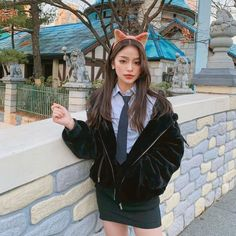 Image may contain: 1 person, standing and outdoor Black Girl Fashion, Fashion Looks, Cute Korean Girl, Korean Street Fashion, Hat Hairstyles, Ulzzang Girl, Aesthetic Girl, Asian Beauty, Beautiful People