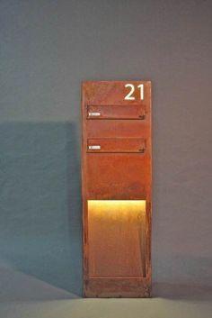 astreiner freistehender briefkasten aus rostigem stahl corten steel corten stahl pinterest. Black Bedroom Furniture Sets. Home Design Ideas