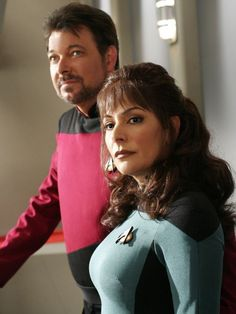 "Bad news, Star Trek fans: Jonathan Frakes — best known as Commander William T. Riker on ""Star Trek: The Next Generation"" — won't be beaming down to SpaceCon, after all."