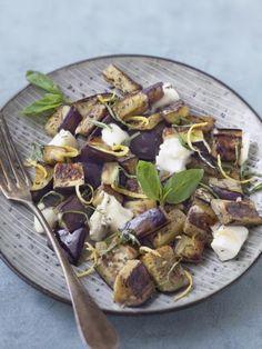 Poêlée d'aubergines au chèvre : Recette de Poêlée d'aubergines au chèvre - Marmiton