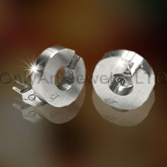 Wholesale Titanium Earring OATE0024 Model Number     OATE0024 Jewelry Type     Earrings Place of Origin     Guangdong, China (Mainland) Brand Name     OA Earrings Type     Hoop Earrings Jewelry Main Material     Titanium