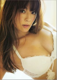 "Lingerie that is included on the latest photo book ""(un) touch"" of Kyoko Fukada is too sexy: healthy idol image Bulletin"
