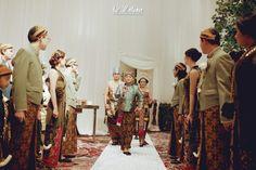 Pernikahan adat Jawa, Chacha Frederica dan Dico Ganinduto di Hotel Fairmont Jakarta