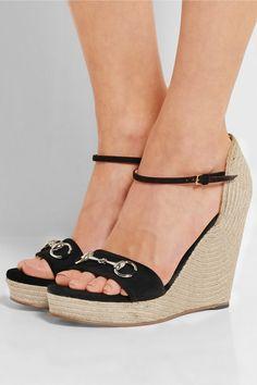 Sandales compensées en daim noir Talon 8,5 cm et 3 cm de plate-forme 485€ Gucci