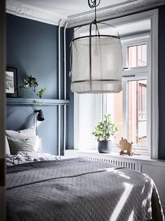 Spanish Home Interior Emily Henderson Bedroom Living Room Colored Toned Walls Blue Green Grey Home Interior Emily Henderson Bedroom Living Room Colored Toned Walls Blue Green Grey Blue Gray Bedroom, Grey Bedroom With Pop Of Color, Bedroom Apartment, Home Decor Bedroom, Bedroom Ideas, Bedroom Inspiration, Diy Bedroom, Modern Bedroom, Bedroom Furniture