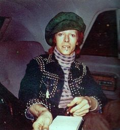 David Bowie has great jacket