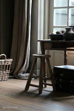 Styling & Living Oude kruk, koffers, schaal en kruiken : www.stylingandlivingshop.nl