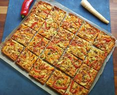 Gluteeniton kasvispiirakka 200 Calories, Vegetable Pizza, Quiche, Zucchini, Gluten Free, Baking, Vegetables, Breakfast, Food