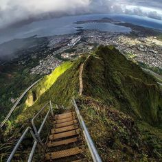 No, you can't go there. Big time fine if they catch you on these stairs.   #travel #hawaii #forbiddendestinations