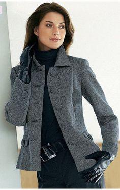 ¡Modelamos y cosemos las chaquetas (chaquetas) femeninas! ¡Las variantes de la costura de los modelos distintos! ¡+ la revista a la moda y la masa de las ideas a la moda de diseñador para la inspiración!