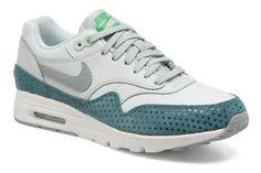 92660ea7cee Compra Deportivas de mujer color gris de Nike al mejor precio. Compara  precios de zapatillas de tiendas online como Sarenza - Wossel España
