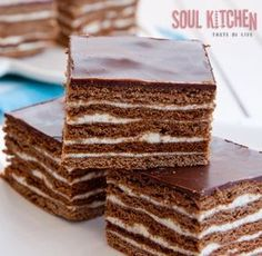 Recipe for Homemade biscuit cake. Great Desserts, Köstliche Desserts, Delicious Desserts, Dessert Recipes, Tolle Desserts, Biscuit Cake, Homemade Biscuits, Cheesecakes, Let Them Eat Cake