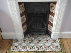 Edwardian bedroom fireplace with tile hearth Wood Burner Fireplace, Cast Iron Fireplace, Bedroom Fireplace, Living Room With Fireplace, Edwardian Haus, Edwardian Fireplace, Victorian Tiles, Mantel Ideas, Fireplace Ideas
