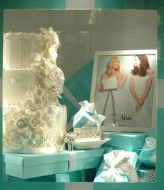 Wedding cake on top of Tiffany boxes
