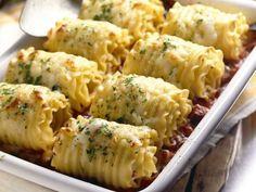 Chicken and cheese lasagna rolls