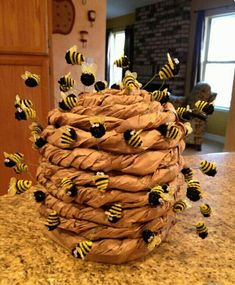 Lots of inspiration, diy & makeup tutorials and all accessories you need to create your own DIY Bee Hive Costume for Halloween. Helped my buddy make this Bee Hive hat queen bee Elephant With Moving Trunk Craft Want to do crafting here show you 15 excelle Kids Crafts, Crafts For Kids To Make, Art For Kids, Diy And Crafts, Kids Diy, 3 Kids, Recycled Crafts, Decor Crafts, Halloween Karneval