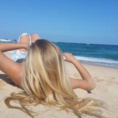 Bild von Blond Haar und Sommer Picture of blond hair and summer Summer Blonde Hair, Blonde Hair Looks, Honey Blonde Hair, Sand Blonde Hair, Natural Blonde Balayage, Pretty Hairstyles, Wedding Hairstyles, Blonde Hairstyles, Layered Hairstyles