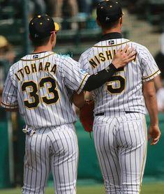 Baseball Guys, Baseball Players, Japanese Baseball Player, Men In Uniform, Stripes, Sports, Hs Sports, Excercise, Sport