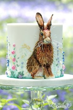 Harry the Hare Cake Tutorial by cake designer Lindy Smith