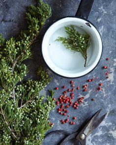 A CUP OF JO: Natural home scents // Juniper & pepper