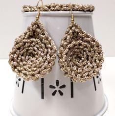 Earrings Handmade, Handmade Jewelry, Teardrop Earrings, Crochet Earrings, Handmade Jewellery, Jewellery Making, Diy Jewelry, Drop Earring, Craft Jewelry