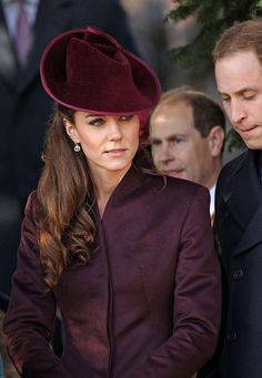 Kate could be Anne Shirley in that get-up. Lovely. William's thinning hair makes him a dodgy Gilbert, though. :(
