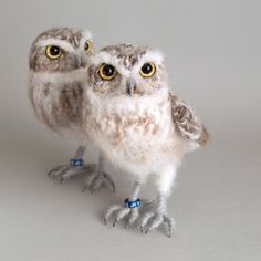 Little Owl realistic fibre art crochet bird sculpture Crochet Birds, Crochet Animals, Crochet Roses, Crocheted Flowers, Crochet Stars, Crochet Baby, Baby Sparrow, Needle Felted Owl, Burrowing Owl