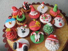 Cupcakes Top Cakes - Natal ( Christmas ) https://www.facebook.com/danielletopcakes