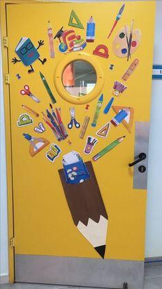 Classroom Door, Classroom Design, Preschool Classroom, Preschool Activities, Fall Classroom Decorations, Class Decoration, School Decorations, Art Room Posters, School Doors