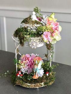 Most Popular enchanted forest wedding centrepiece Ideas Fairy Lanterns, Lanterns Decor, Fairy Lights, Decorative Lanterns, Lantern Centerpieces, Baby Shower Centerpieces, Wedding Centerpieces, Centrepiece Ideas, Enchanted Forest Centerpieces