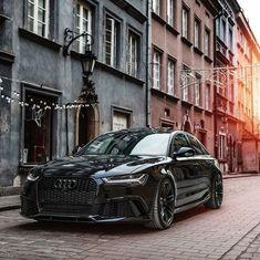 Audi ®S6 Sedan Performance (600hp, V8 4.0 TwinTurbo) Mythos black metallic / black optics / all black everything Performance 0-100kmh: around 3.4 seconds