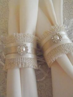 Burlap Napkin Rings for Holiday or Weddng shabby chic, woodland, country Christmas or anytime via Etsy.use white napkins & satin ribbon for pop of color Shabby Chic Christmas, Country Christmas, Decoration Shabby, Christmas Crafts, Christmas Decorations, Wedding Decorations, Table Decorations, Centerpieces, Burlap Crafts