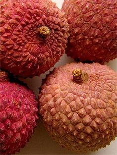 One of the sweetest Hawaiian treats: Lychee One of my grandsons favorite fruit. Fruit And Veg, Fruits And Vegetables, Fresh Fruit, Exotic Fruit, Tropical Fruits, Litchi Fruit, Lychee Fruit, Lychee Tree, Pitaya