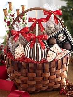 Prindables Holiday Collection, Classic Deluxe Holiday Basket - Gourmet Food & Gifts - For The Home - Macy's Gourmet Food Gifts, Gourmet Recipes, Holiday Gift Baskets, Holiday Gifts, Gourmet Caramel Apples, Apple Gifts, Chocolate Delight, Chocolate Toffee, Hostess Gifts
