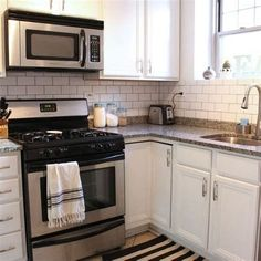 If you now live in the condominium and want to remake your kitchen, you got the right place. We provide you with some of the best models and designs of the condo kitchen remodel. Small Condo Kitchen, Condo Kitchen Remodel, Diy Kitchen, Kitchen Design, Awesome Kitchen, Kitchen Ideas, Country Kitchen, Kitchen Trends 2018, Condo Interior Design