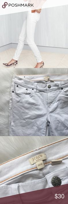 J.crew happy white skinny jeans ✨great condition   ✨NO trades  ✨ask questions  ✨measurements upon request  ✨ships in 24 hours ✨thank you for shopping in my closet J. Crew Jeans Skinny